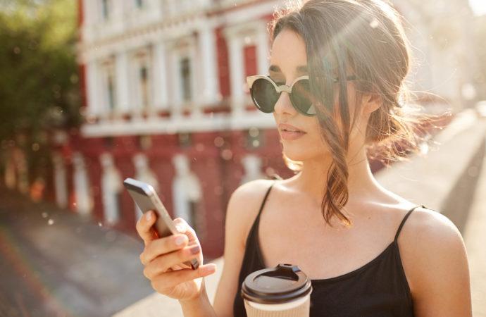 Как мобильные технологии помогают одиноким людям