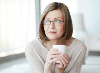 Почему мужчинам нравятся пожилые женщины: 9 причин